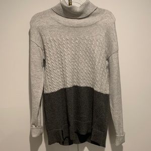 Two Vince camuto grey turtle neck sweater soft SM